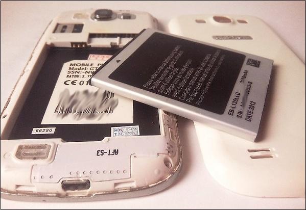 Почему телефон быстро заряжается и быстро разряжается